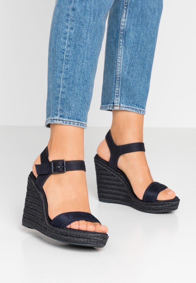 Tommy Hilfiger - COLORFUL WEDGE  - Sandály na vysokém podpatku - blue
