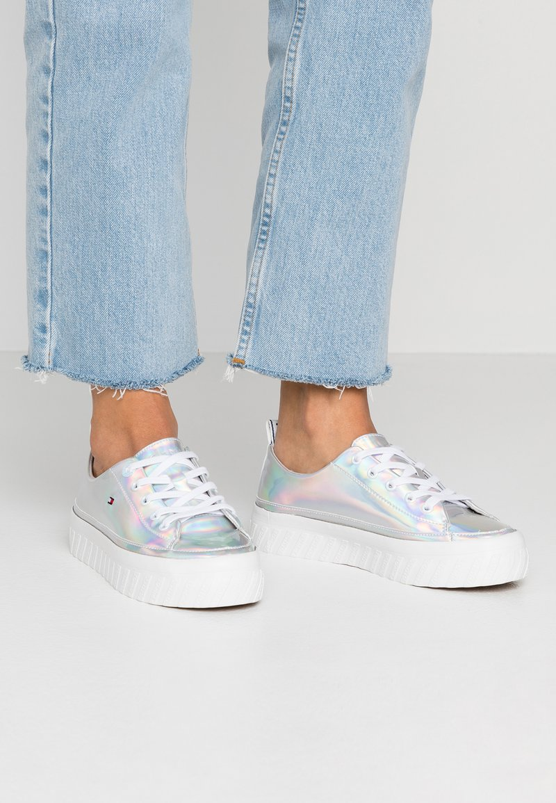 Tommy Hilfiger - FLATFORM  - Trainers - silver