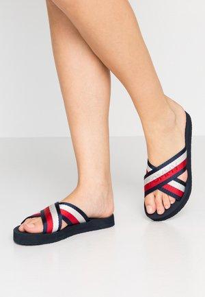 COLORFUL SLIDE - Pantofle - red