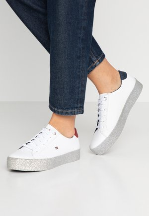 CORPORATE CRYSTAL DRESS  - Trainers - white
