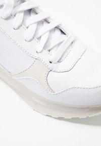 Tommy Hilfiger - TOMMY CORPORATE SPORTY  - Trainers - white - 2