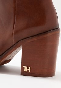 Tommy Hilfiger - MONO COLOR LONGBOOT - High heeled boots - brown - 2