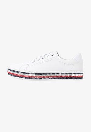 TOMMY JEWELED SNEAKER - Zapatillas - white
