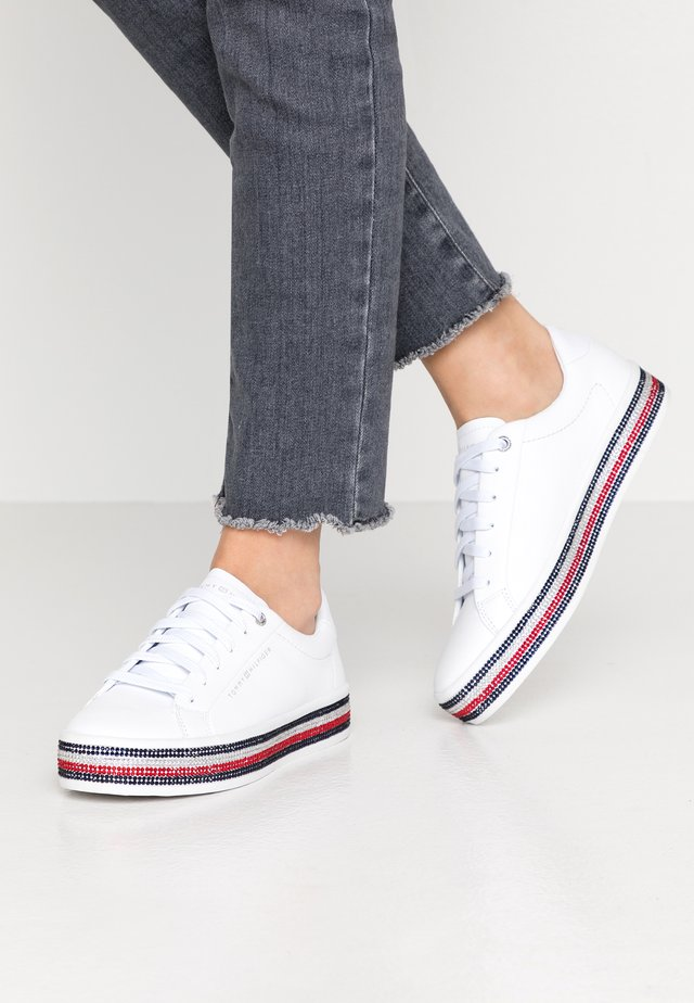 TOMMY JEWELED SNEAKER - Trainers - white