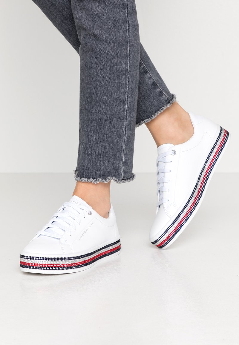 Tommy Hilfiger - TOMMY JEWELED SNEAKER - Trainers - white