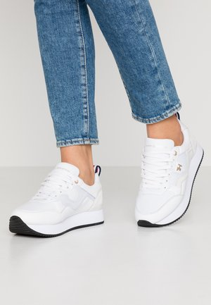TOMMY DRESS CITY SNEAKER - Joggesko - white