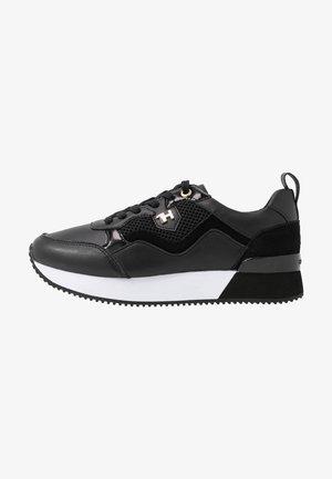 TOMMY DRESS CITY SNEAKER - Sneakersy niskie - black