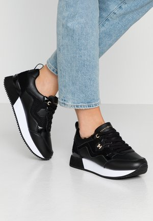 TOMMY DRESS CITY SNEAKER - Sneakers basse - black