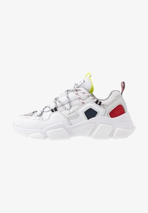CITY VOYAGER CHUNKY SNEAKER - Trainers - white