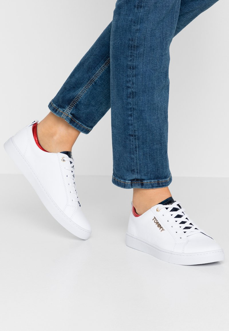Tommy Hilfiger - CITY - Baskets basses - white