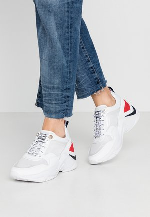 INTERNAL WEDGE SPORTY SNEAKER - Baskets basses - white