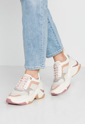 INTERNAL WEDGE SPORTY SNEAKER - Sneakers laag - sugarcane
