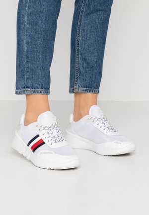 TOMMY SPORTY BRANDED RUNNER - Baskets basses - white