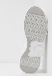Tommy Hilfiger - TOMMY SPORTY BRANDED RUNNER - Trainers - white - 6