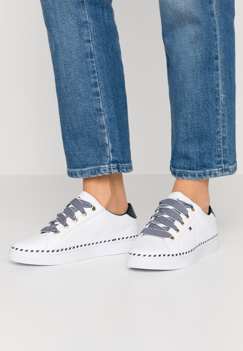 Tommy Hilfiger - NAUTICAL LACE UP SNEAKER - Trainers - white