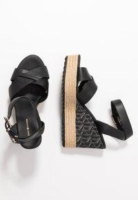 Tommy Hilfiger - TH RAFFIA HIGH WEDGE SANDAL - Sandály na vysokém podpatku - black - 3