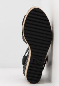 Tommy Hilfiger - TH RAFFIA HIGH WEDGE SANDAL - Sandály na vysokém podpatku - black - 6