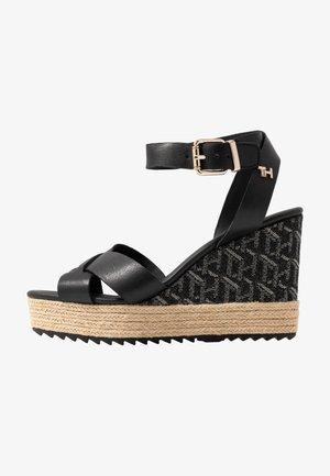 TH RAFFIA HIGH WEDGE SANDAL - Sandály na vysokém podpatku - black