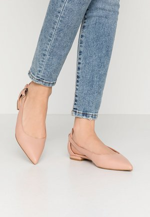 FEMININE LEATHER BALLERINA - Ankle strap ballet pumps - sandbank