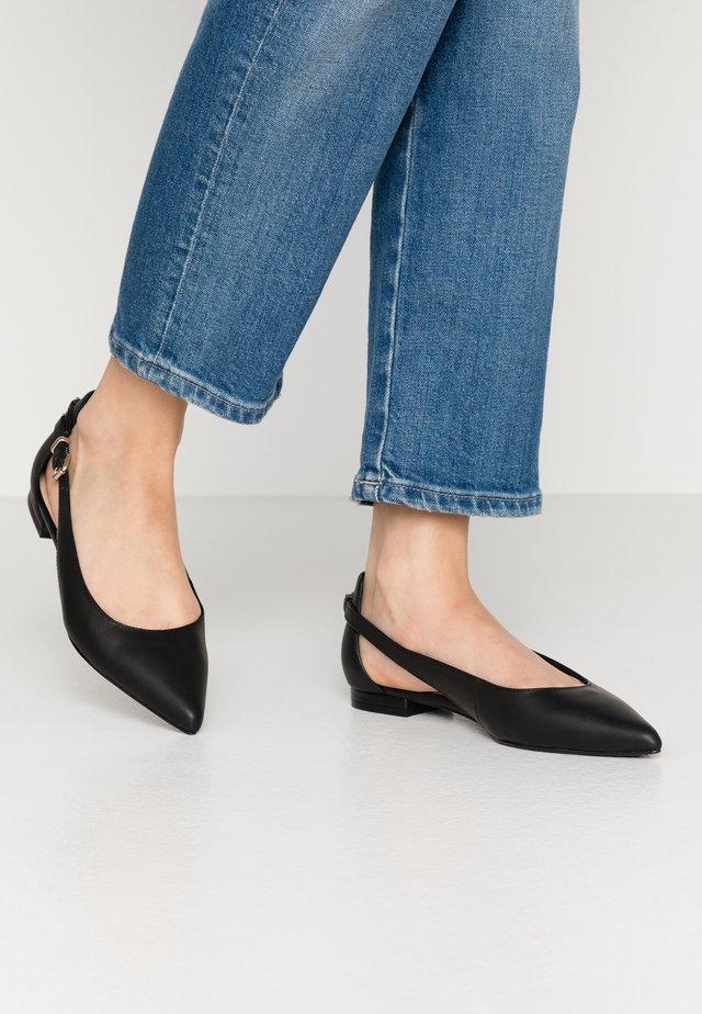 FEMININE LEATHER BALLERINA - Ankle strap ballet pumps - black