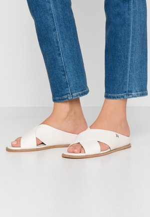 VIVIAN - Pantofle - ivory