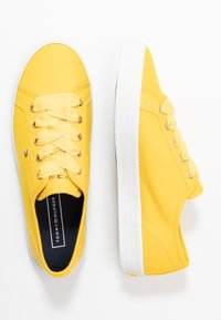 Tommy Hilfiger - ESSENTIAL NAUTICAL SNEAKER - Joggesko - sunny - 3