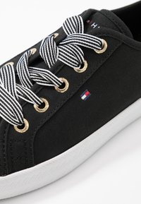 Tommy Hilfiger - ESSENTIAL NAUTICAL SNEAKER - Trainers - black - 2