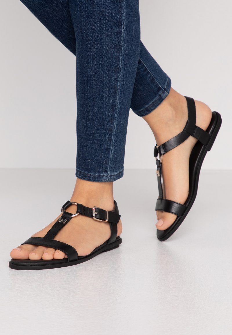 Tommy Hilfiger - FEMININE LEATHER FLAT SANDAL - Sandaler - black