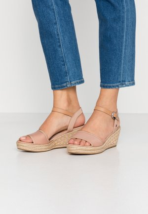 SPORTY TEXTILE MID WEDGE - Loafers - sandbank