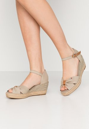 BASIC OPENED TOE MID WEDGE - Loafers - stone