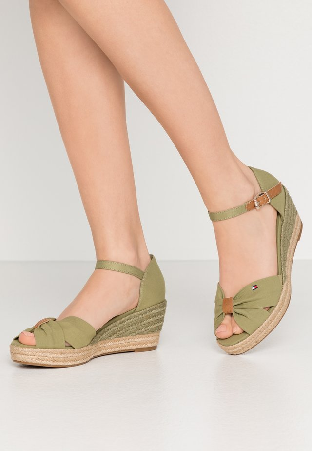 BASIC OPENED TOE MID WEDGE - Loafers - faded olive