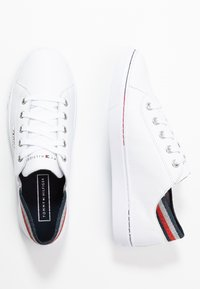 Tommy Hilfiger - GLITTER DETAIL CITY SNEAKER - Trainers - white - 3