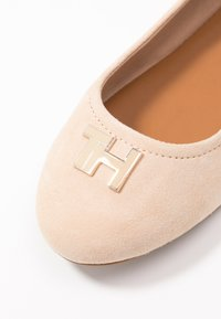 Tommy Hilfiger - KATY  - Ballerines - clayed pebble - 2