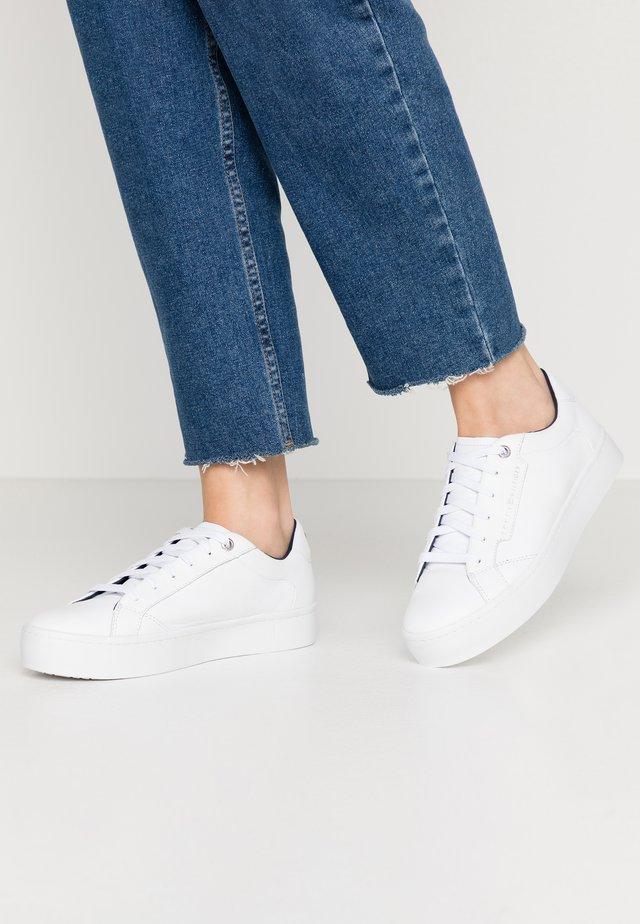 CITY DRESS SNEAKER - Sneakers laag - white