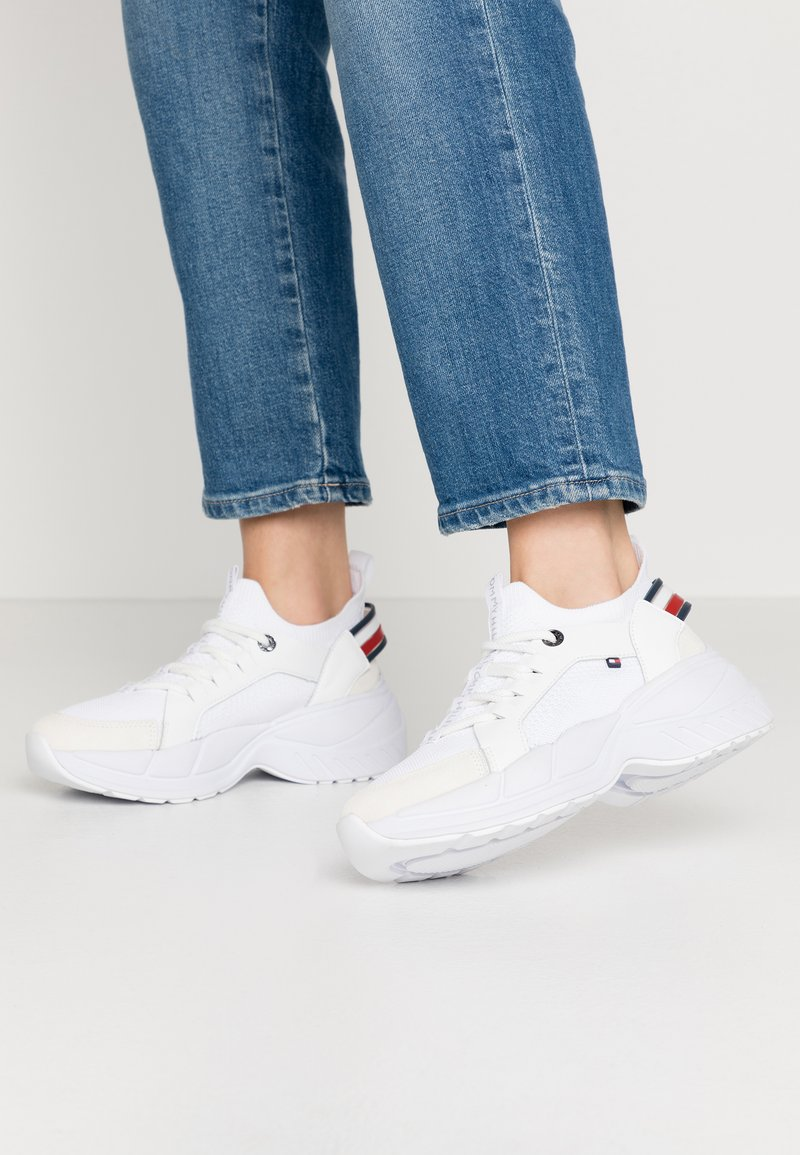 Tommy Hilfiger - NEW CHUNKY - Sneakers laag - white