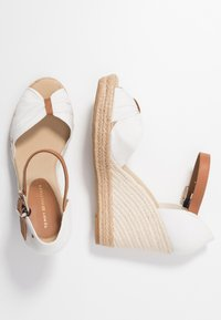 Tommy Hilfiger - BASIC OPENED TOE HIGH WEDGE - High heeled sandals - ivory - 3
