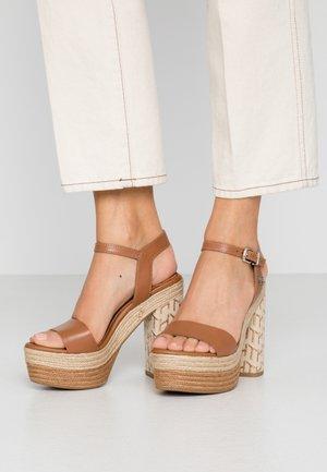AALIYAH  - High heeled sandals - summer cognac
