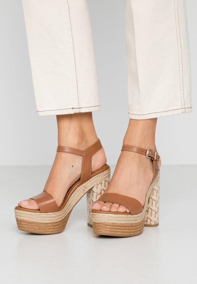 AALIYAH  - High heeled sandals - summer cognac