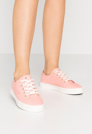 BASIC - Sneakersy niskie - washed watermelon pink