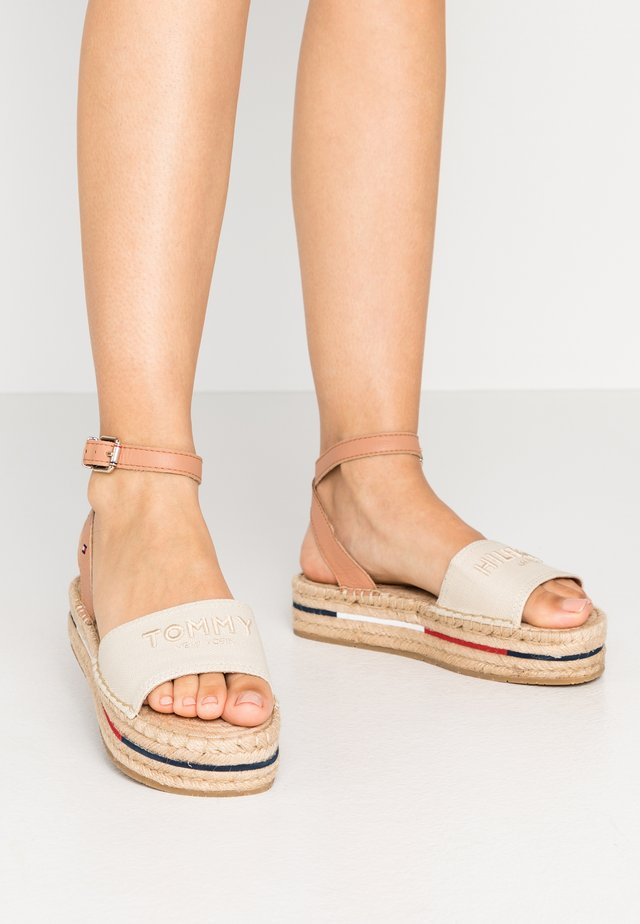 TROPICAL FADE OPENED - Espadrilles - ivory