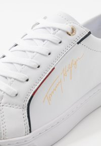 Tommy Hilfiger - SIGNATURE  - Trainers - white - 2