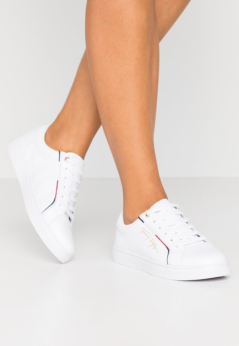 Tommy Hilfiger - SIGNATURE  - Trainers - white