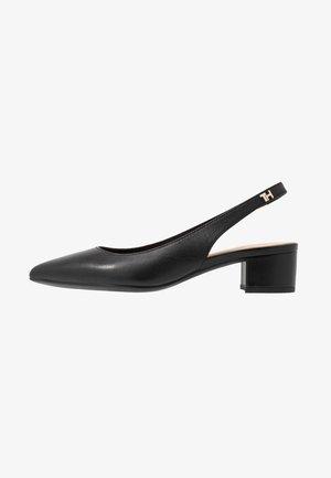 FEMININE LEATHER MID HEEL PUMP - Classic heels - black
