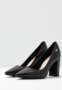 Tommy Hilfiger - FEMININE LEATHER HIGH HEEL PUMP - Classic heels - black - 4