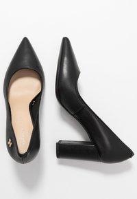 Tommy Hilfiger - FEMININE LEATHER HIGH HEEL PUMP - Classic heels - black - 3