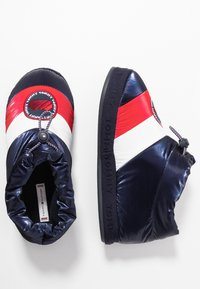 Tommy Hilfiger - DOWNSLIPPER - Pantofole - red - 3