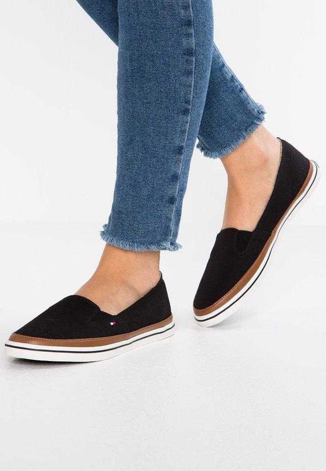 ICONIC KESHA SLIP ON - Loaferit/pistokkaat - black