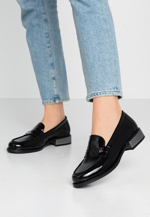 ELEVATED PATENT JEWELED LOAFER - Slipper - black