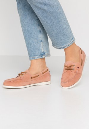 CLASSIC SUEDE BOAT SHOE - Bootsschuh - sandbank