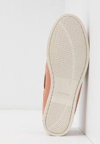 Tommy Hilfiger - CLASSIC SUEDE BOAT SHOE - Chaussures bateau - sandbank - 6